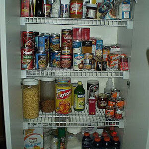 Featured image of how to organize a kitchen pantry