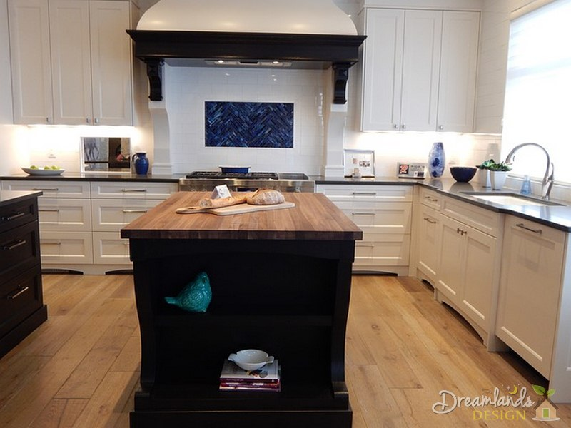 Matching Kitchen Colors Flooring with Backsplash and Countertops