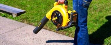 Featured - Falling of Leaves Creating a Mess? Don't Worry Cordless Leaf Blowers are Here!