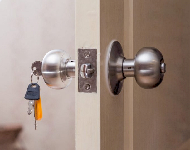 Most Common Types of Commercial Door Locks