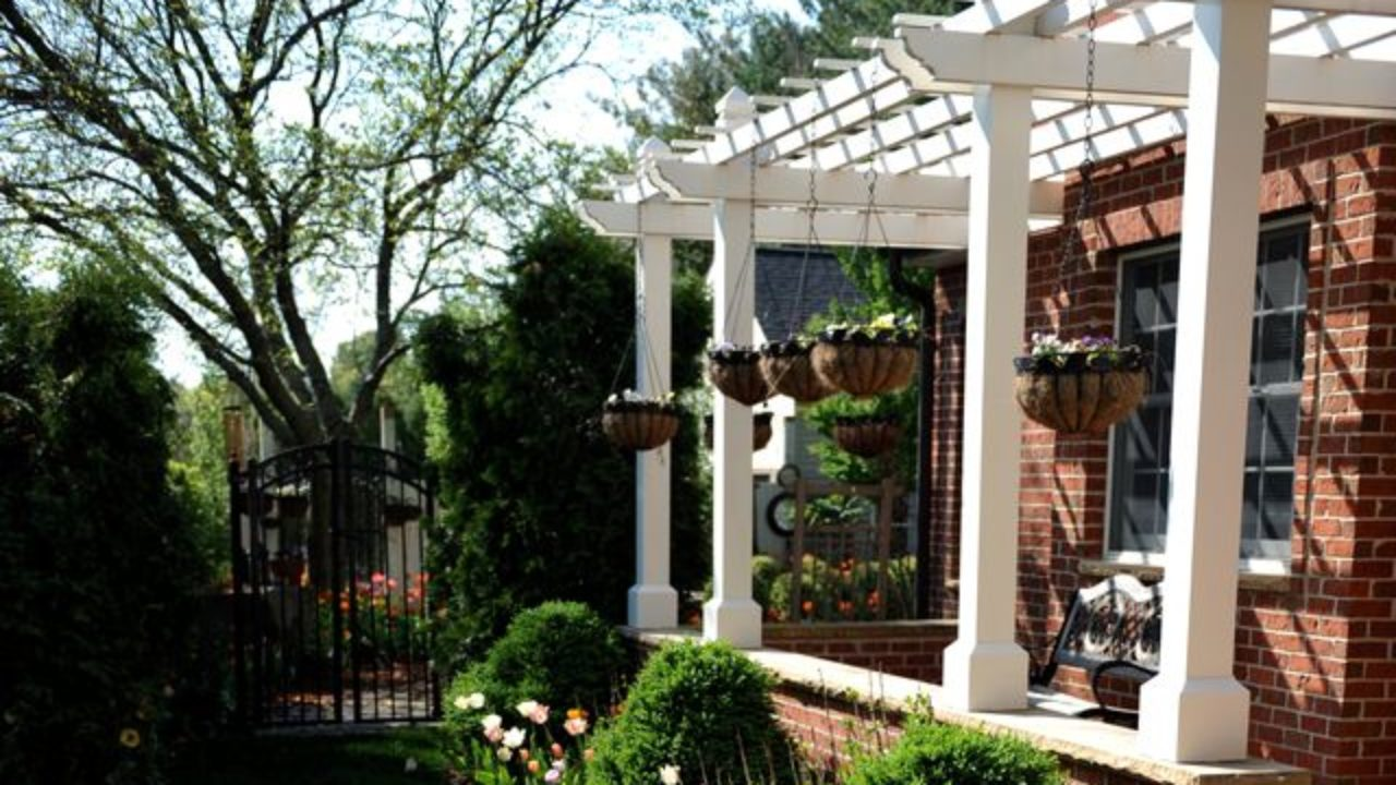 How To Build A Pergola Attached To The House Instructions And Drawings