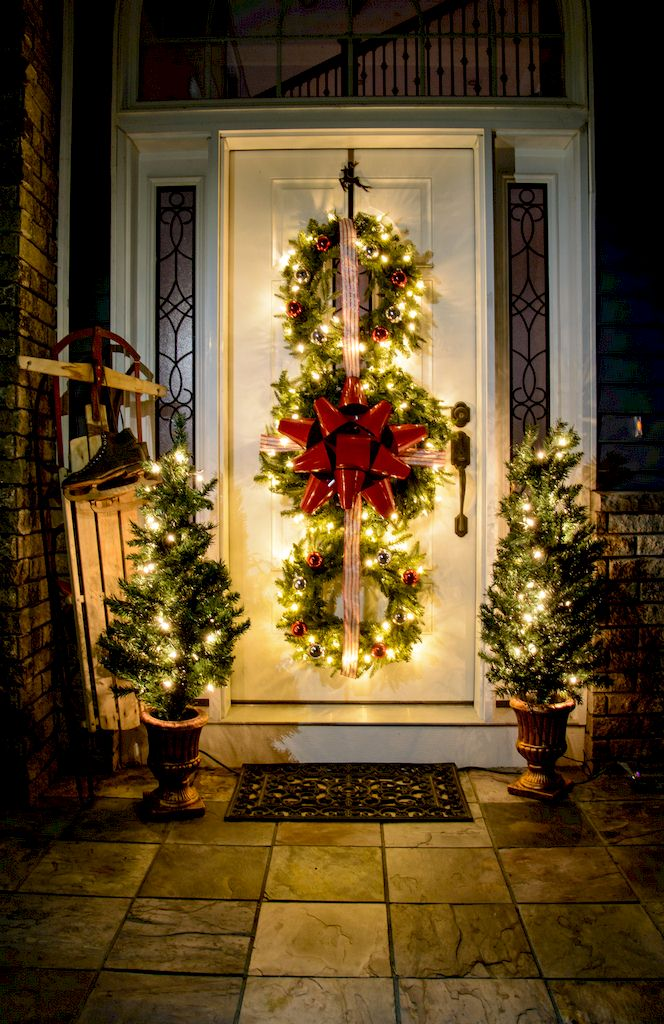 Triple Hanging Christmas Wreath - Outside Christmas Decorating Ideas