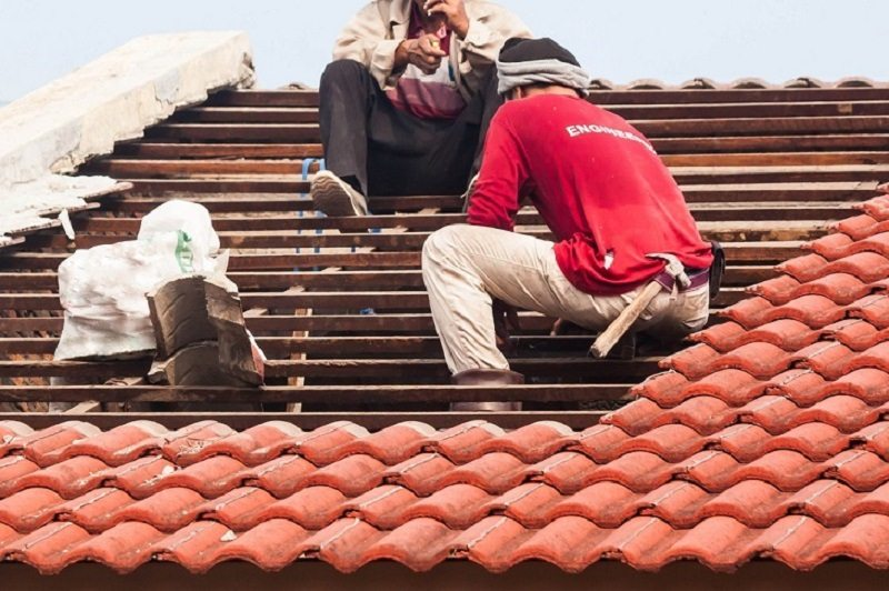 Choose Roofer Who Has Experience Working on the Kind of Roof