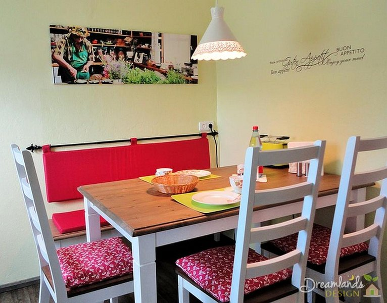 The French Banquette - Stylish Seating for Your Kitchen