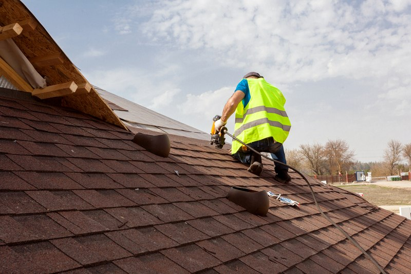 What to Ask a Roof Repair Contractor Before Hiring One