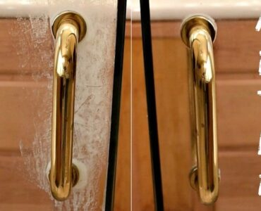 Featured of How to Clean Soap Scum Off Glass Shower Doors