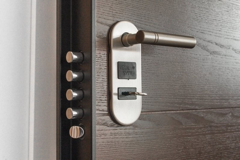 Strong and Sturdy Door Knob - Essential Features to Look for in a Steel Door