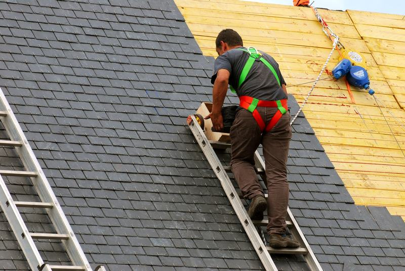 The Best Way to Select a Roofing Contractor
