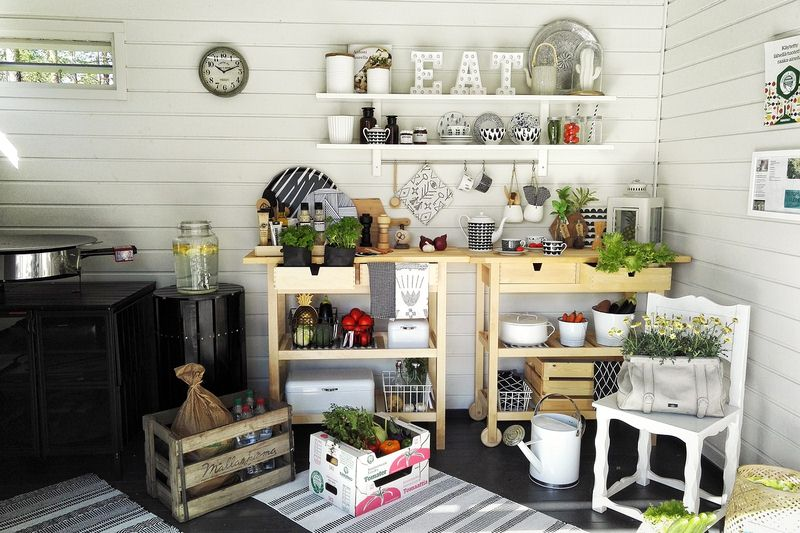 Make Use of Flowers - 5 Tips for Creating a Beautiful Kitchen Space
