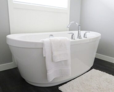 Featured of Tips for Choosing Tub Types During Bathroom Renovation
