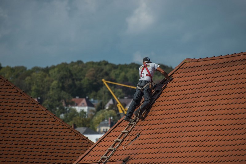 A Roofing Company Must Be Licensed and Insured