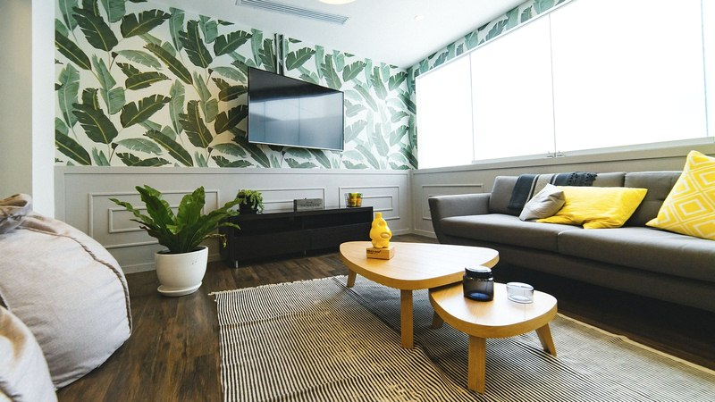 6 Ways to Make Wallpaper Work in Your Living Room