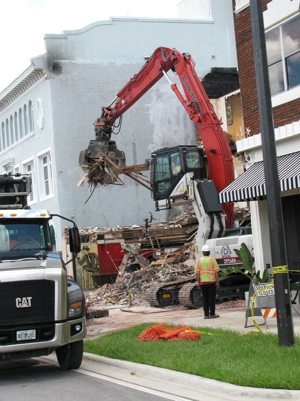 Importance of Vibration Monitoring During Commercial Demolition
