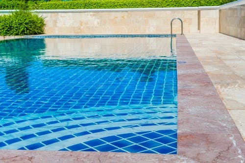 Read This before You Start Building a Swimming Pool and Spa for Your Home