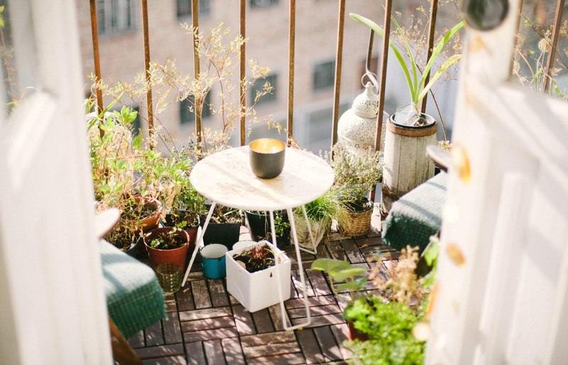 How to Maintain and Repair Your Outdoor Home Furniture