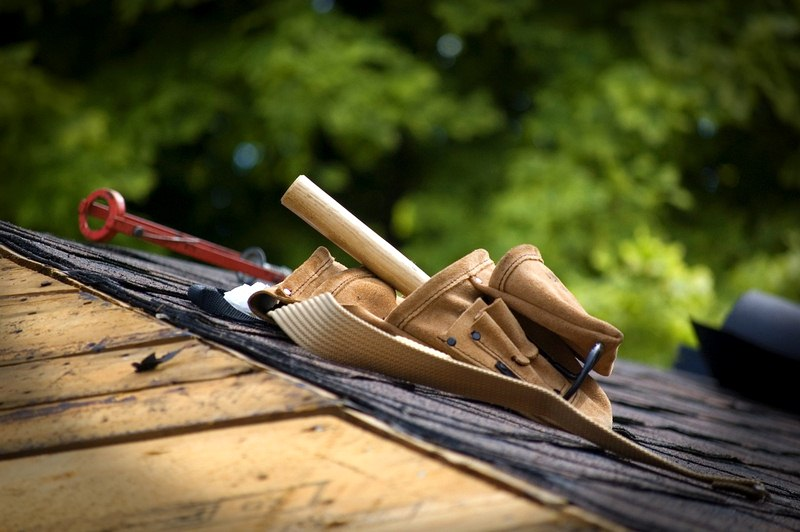 Roofing Guide - Roofing Tools and Supplies