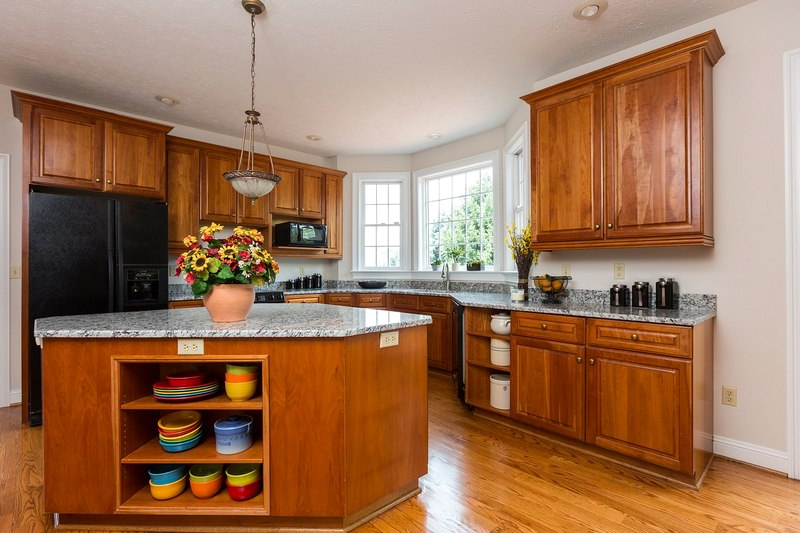 Making the Right Selection - 8 Qualities of Superior Kitchen Cabinets