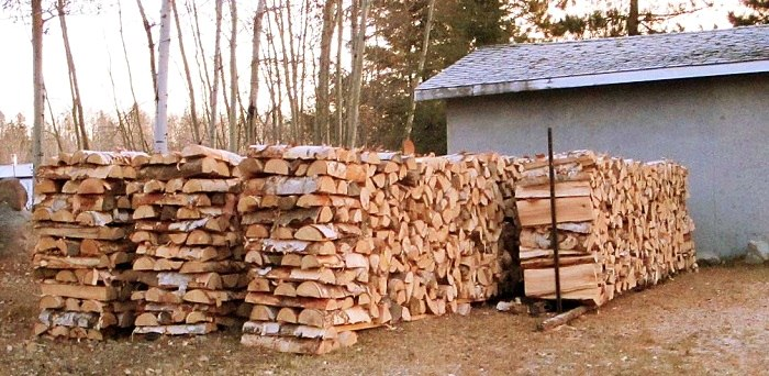 Choosing Good Quality Firewood for Winters Preparation