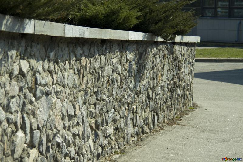 Find Out the Advantages of Retaining Walls