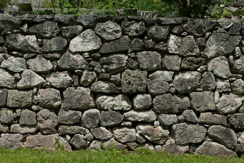 Why Should You Consider Retaining Walls