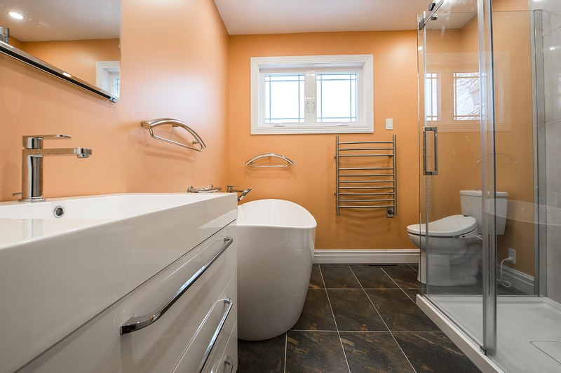 How to Remodel Your Bathroom on a Budget and Still Make It Look Great