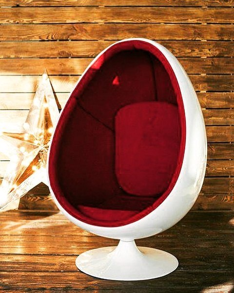 Egg Pod chair 2