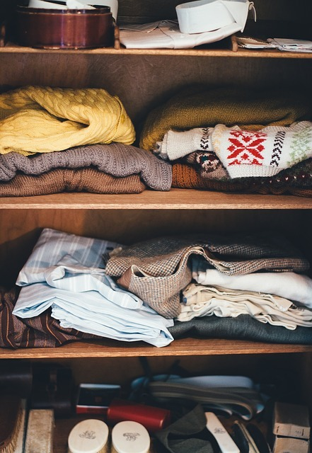 The best way to get more room in your bedroom is to organize wardrobe