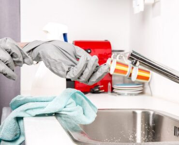 Featured of 5 Crucial Reasons to Hire a Cleaning Lady Before Listing Your Home