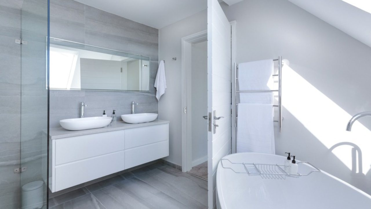 8 Simple Modern Bathroom Ideas That Can Make Your Life Easier