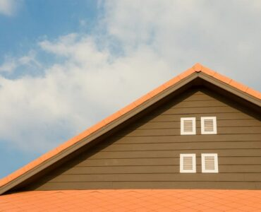 Featured of Be the Envy of Neighbors: 5 Tips on How to Have the Best Roof in your Neighborhood