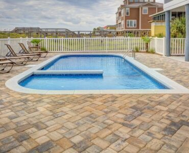 Featured of Fiberglass vs Concrete Pools: A Pros & Cons Breakdown for Your Backyard