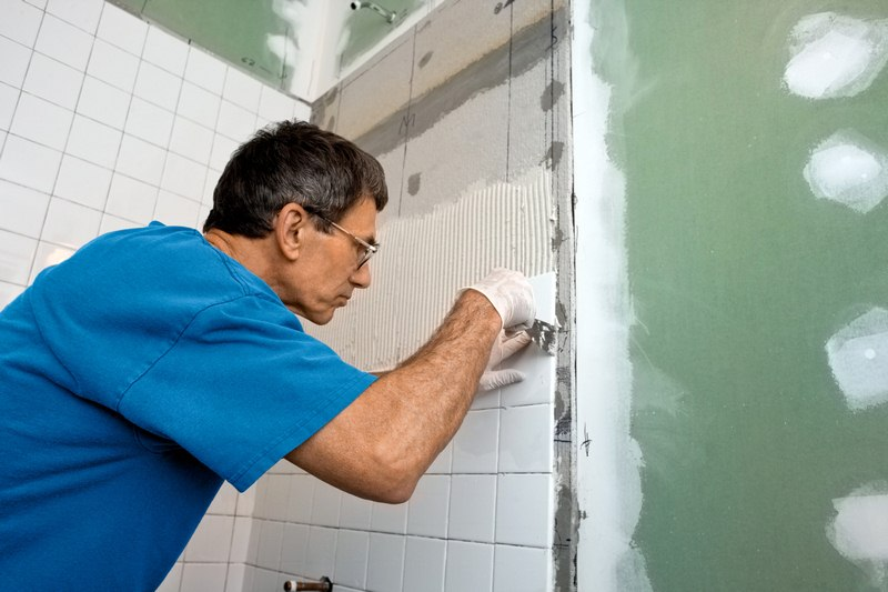 Considerations When Deciding to Hire a Pro or DIY Your Bathroom Remodel