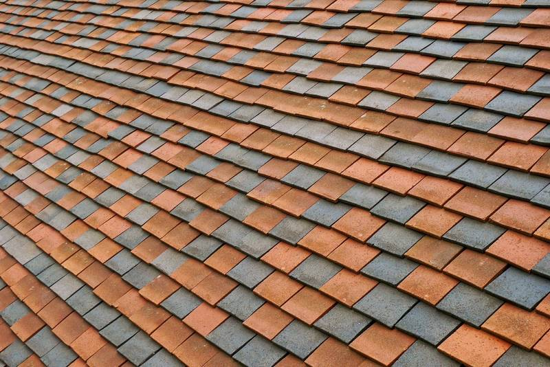 Covering Your Roof - 4 Affordable Types of Roofing Materials