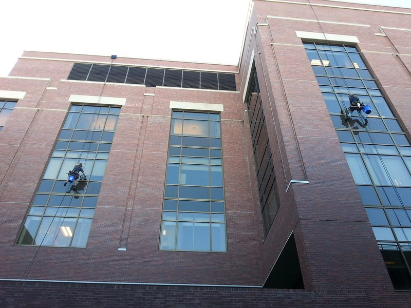 Essential Benefits of Corporate Window Cleaning in Melbourne