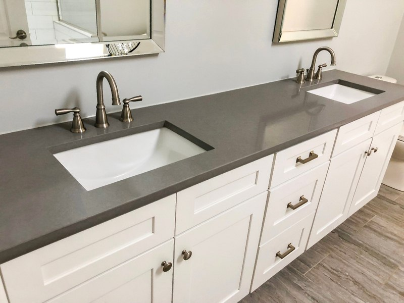Why Using a Quartz Counter in Your Bathroom is Smart