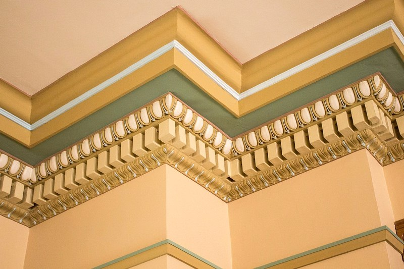 Transform Your House Using Crown Moldings
