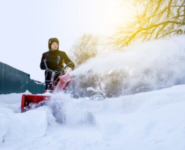 Featured image - 7 Amazing DIY Snow and Ice Removal Tricks
