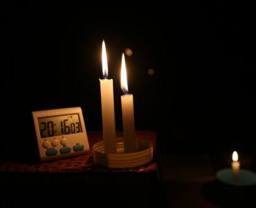 Featured image - 5 Things You Should Never Do When the Power Goes Out
