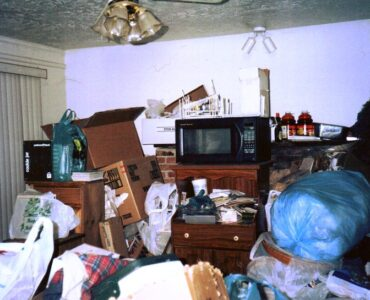 Featured image - Drowning in Your Own Clutter - 8 Signs & Symptoms of Hoarding