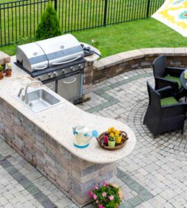 Featured image - How to Build a Gorgeous Backyard Kitchen for Good Weather Events