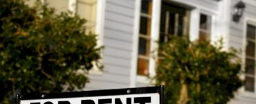 Featured image - How to Choose an Apartment to Rent: 7 Tips Before Move-In Day