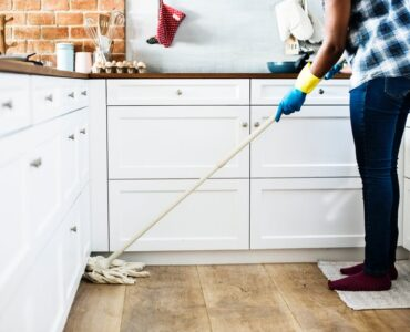 Featured image - 5 Spring Cleaning Hacks from the Pros