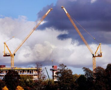 Featured image - Benefitting From Crane Rental Services
