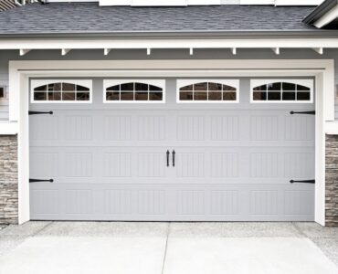 Featured image - 7 of the Best Garage Door Materials for Your Home