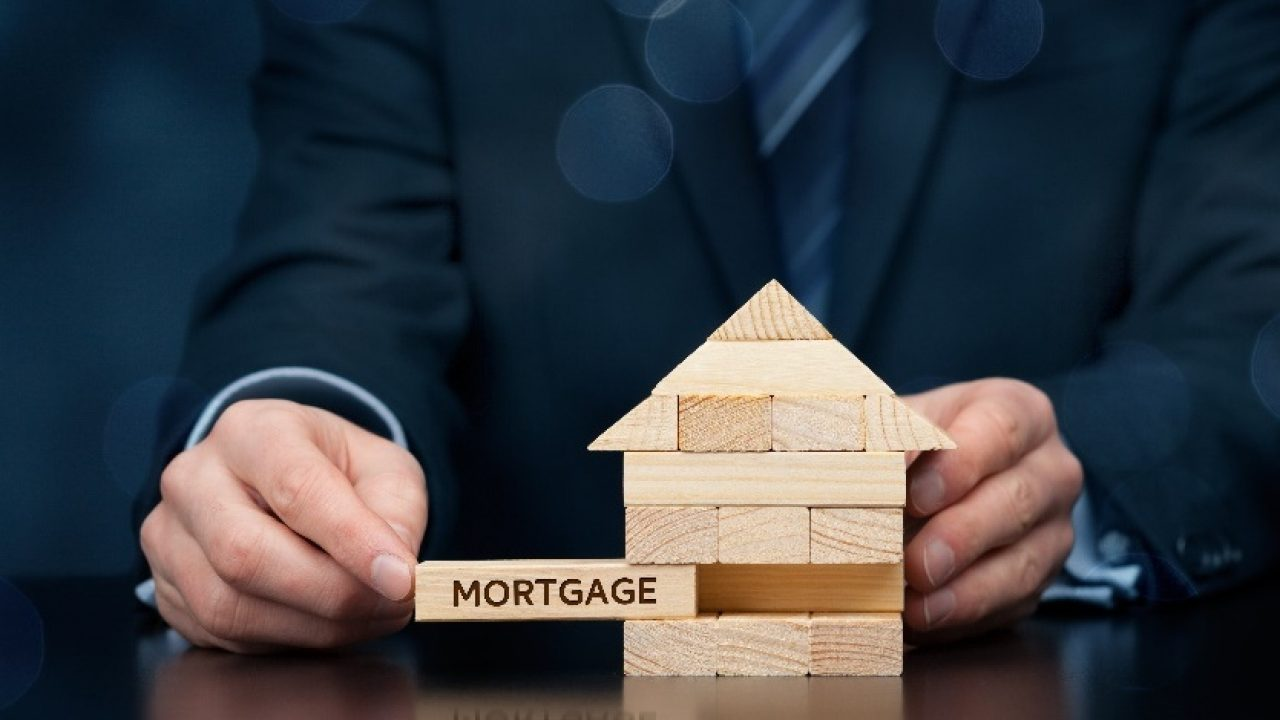 Why You Should Consider Hiring a Mortgage Broker