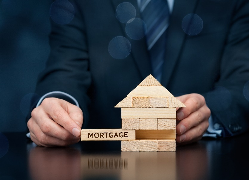image - Why You Should Consider Hiring a Mortgage Broker