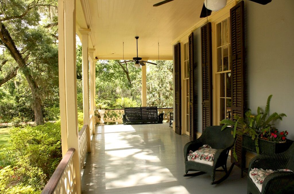 8 Awesome Porch Ceiling Ideas to Transform Your Porch