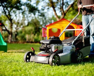 Featured image - 3 Reasons Why You Should Invest In a Decent Lawn Mower