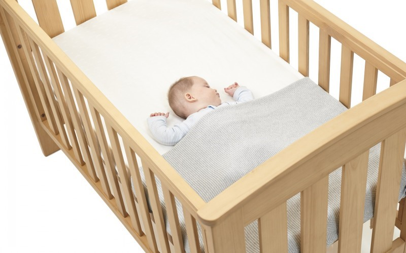 image - Parents' Guide on How to Choose the Perfect Cot for Your Baby