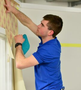 Featured image - 8 Benefits of Working with a Professional Painting and Decorating Service